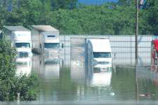 Flooding strands drivers in Tennessee