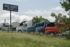 Used Class 8 truck sales fall