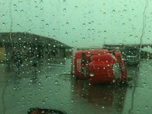 Driver rides out Joplin tornado at Flying J