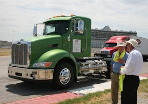 Peterbilt displays alternative fuel vehicles