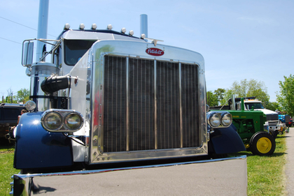 Heck of a farm truck: Custom 359 single-axle flatbed, with wide singles