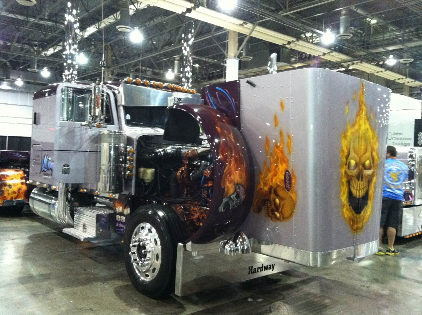 Photos and video: Ray Rodriguez' flamed '88 Peterbilt 379