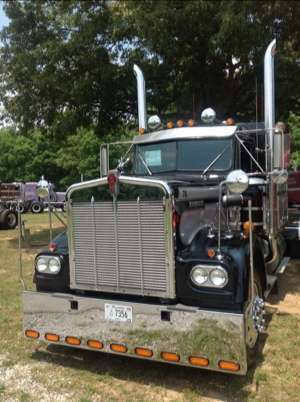 Farm to market in style -- Bill Blankenship's 1978 W900A