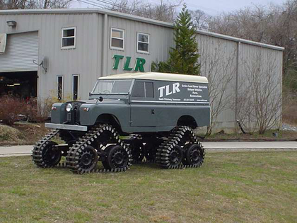 PHOTOS: Tracked Land Rover put together by Bill Bradford