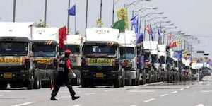 Irish truckers report on South Korean truckers' strike