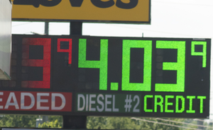 DOE projects diesel prices to drop more than a dime this summer
