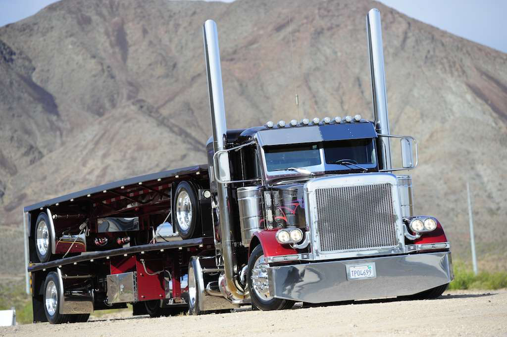 Ryan Hooten's 1995 Peterbilt 379 and matching flatbeds won Best of Show at the 2011 Great West Truck Show.