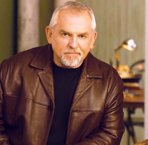 Video: 'Cheers' star Ratzenberger salutes truckers