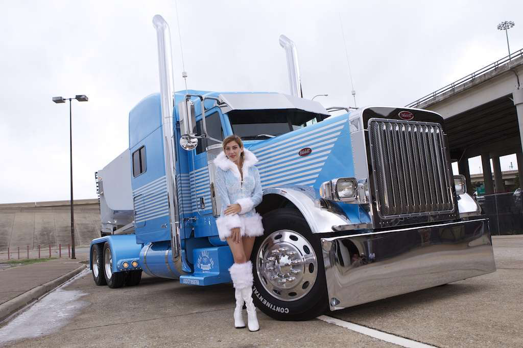 Big Rig Monster Stacks : Holiday blues photo gallery of december s featured truck