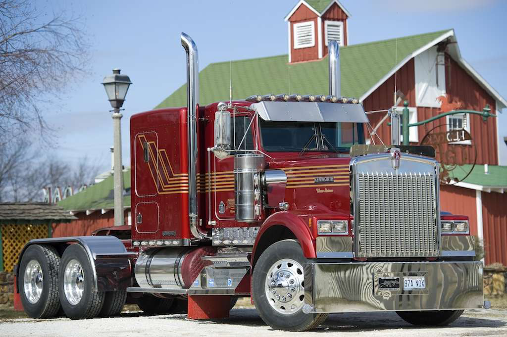 Ol Red S Glory Days Restoration Of An 86 Kenworth W900