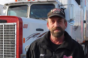 Independent owner-operator Melvin Davis Jr. drives a 25-year-old truck, but keeps it in excellent condition and has a zero CSA score.