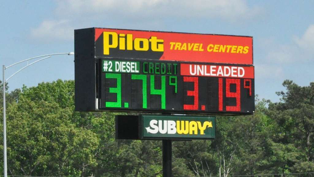 Another owner-operator suing Pilot over fuel rebate withholding