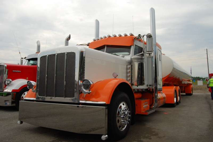 Bill Rethwish's 2012 Peterbilt 389 / Polar tank combo took home Best of Show in Working Combo at Fitzgerald's in Crossville.