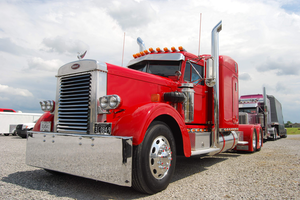 Follow this link for more on Tobby Donalson's Antique Bobtail-class-winning 1959 Peterbilt 351.