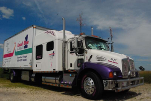 Jeanie Silk's 2005 KW T300, decorated and ready to roll