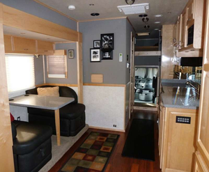 See the i photo gallery below for more photos of the Browns' rig inside and out.