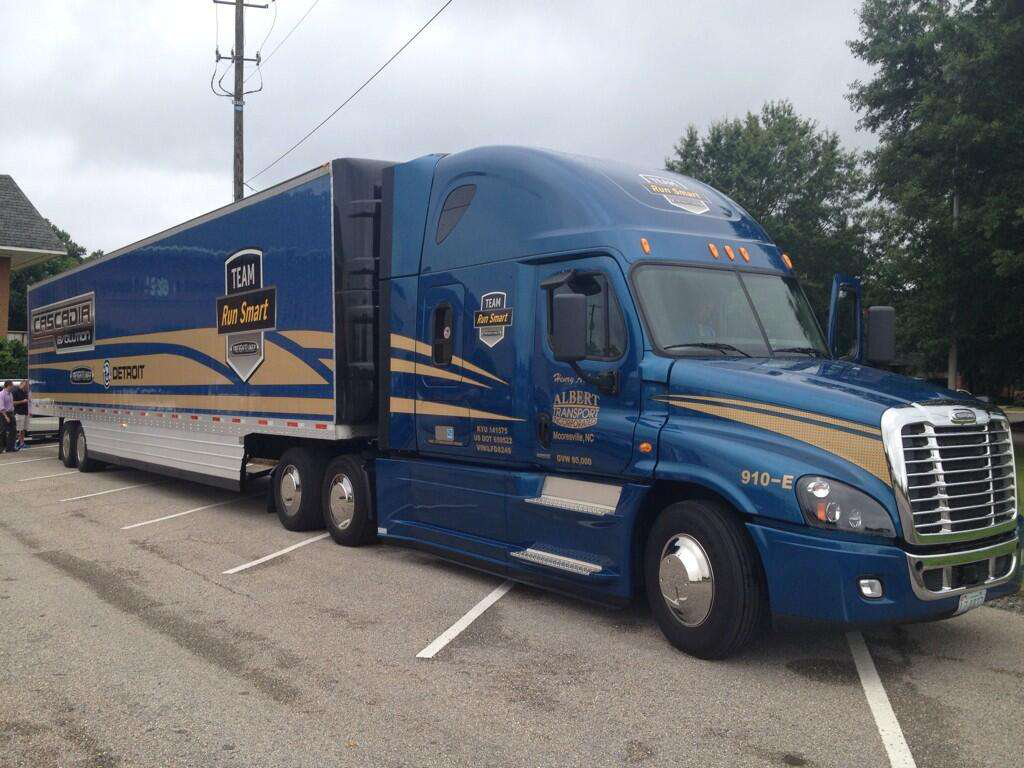 Topping 10 mpg: Former Trucker of the Year blends driving