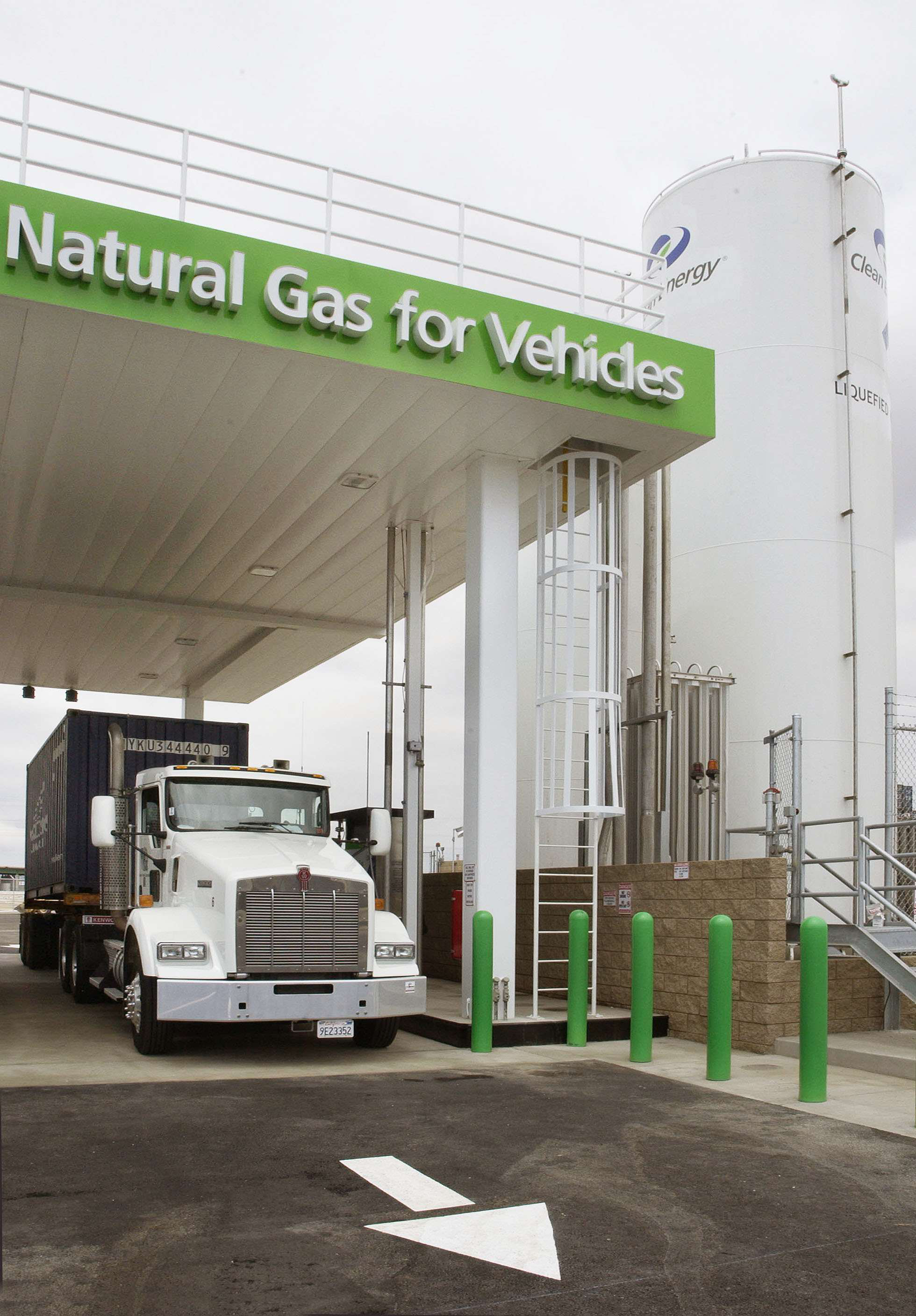 Bill floated in Congress to reduce excise tax on alternative fuel trucks