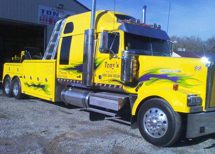 Class 8 wins at Tennessee Tow Show truck show