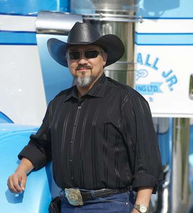 Well-known custom truck builder, Texas fleet owner Bill Hall, Jr. dead after motorcycle wreck