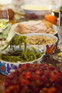 thanksgiving_dinner_2_w640
