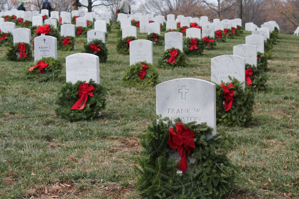 Wreaths Across America convoy en route to Arlington National Cemetery