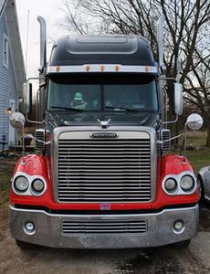 George and Wendy Parker's 2004 Freightliner