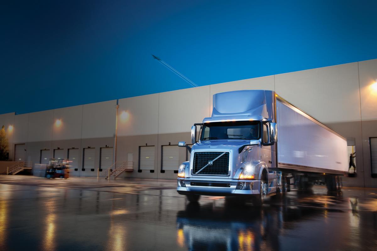 Volvo head talks fuel efficiency of '14 engines, remote diagnostics