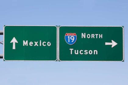 cross border mexico crossing arizona