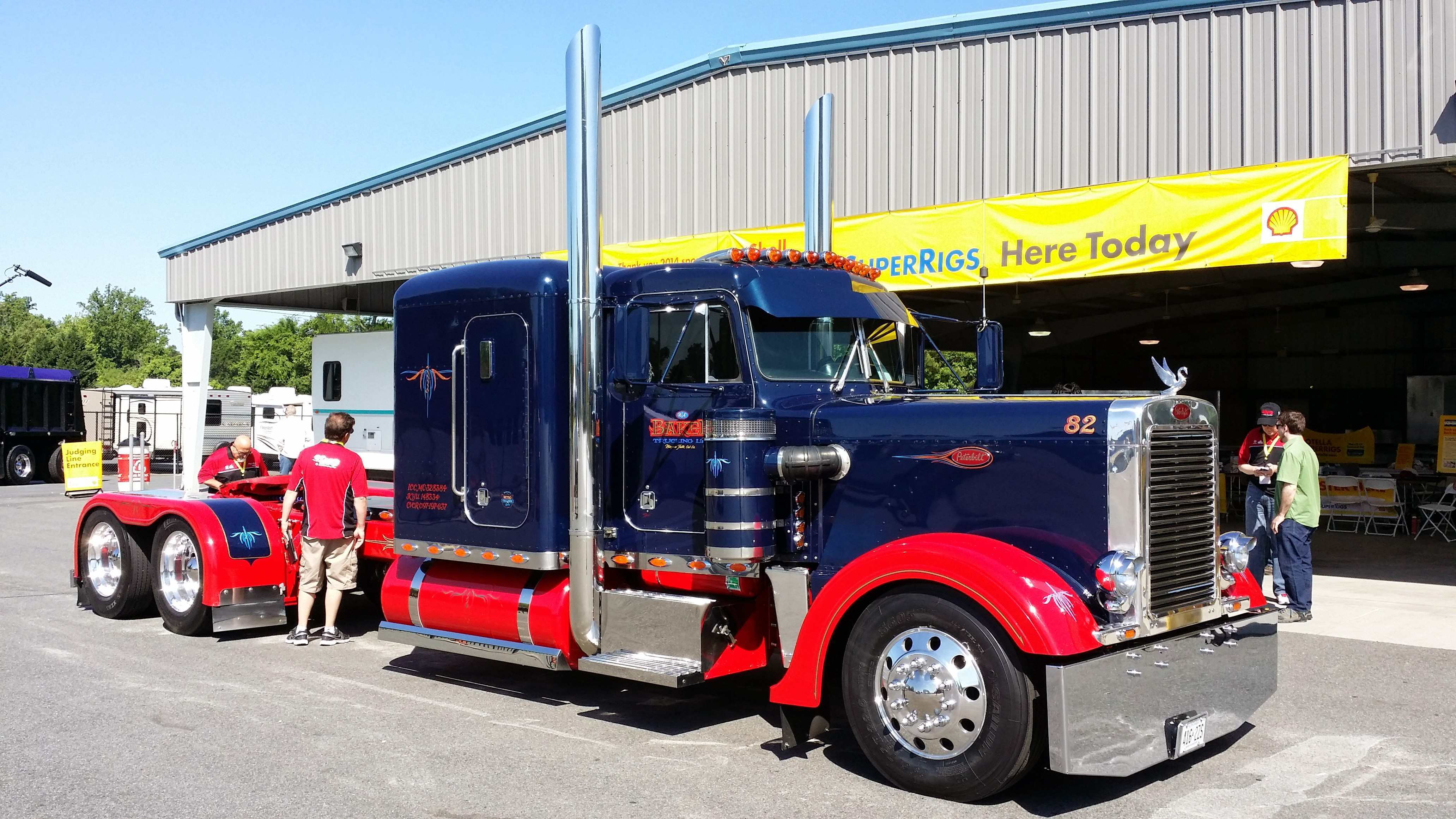Video: Needle-nosed 1982 Peterbilt 359 with a Corvette dash