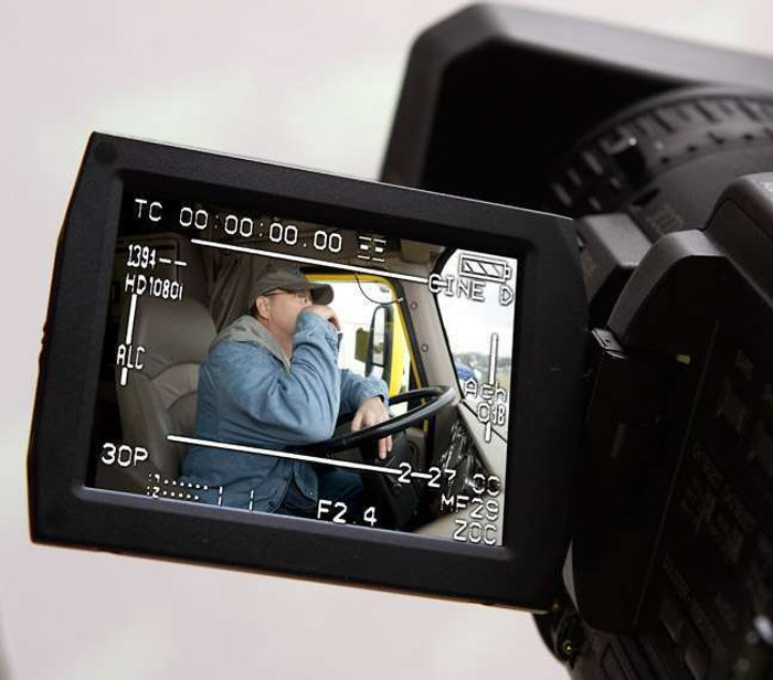 Video_Camera_Trucker-3