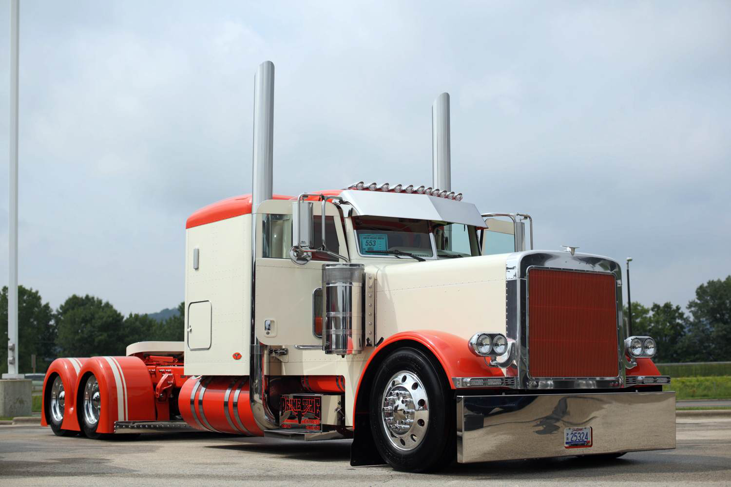 Seth Denning's cream and white 2006 Peterbilt 379 won Best of Show in the Limited-Mileage Bobtail category.