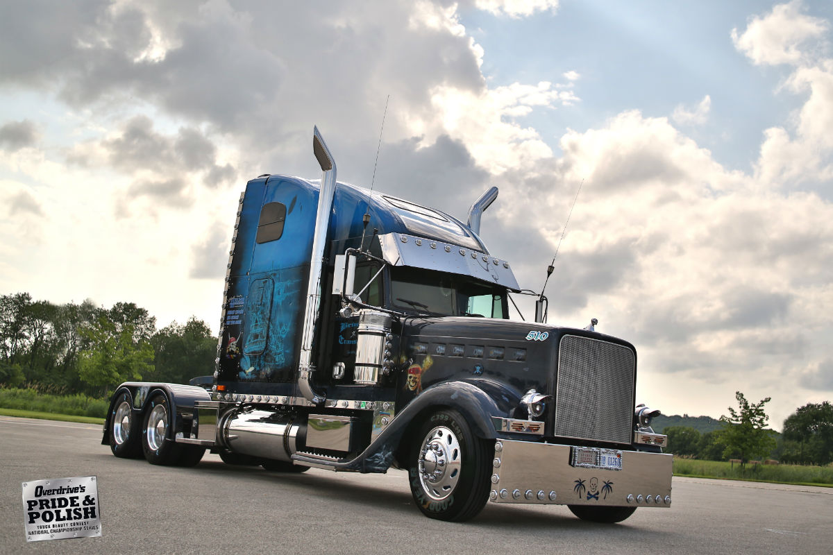 Bob and Shelly Brinker's 2000 Freightliner Classic