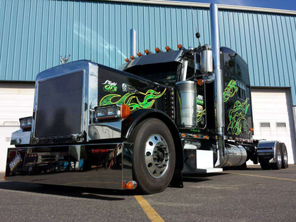 Derek Smith's 2005 Peterbilt 379