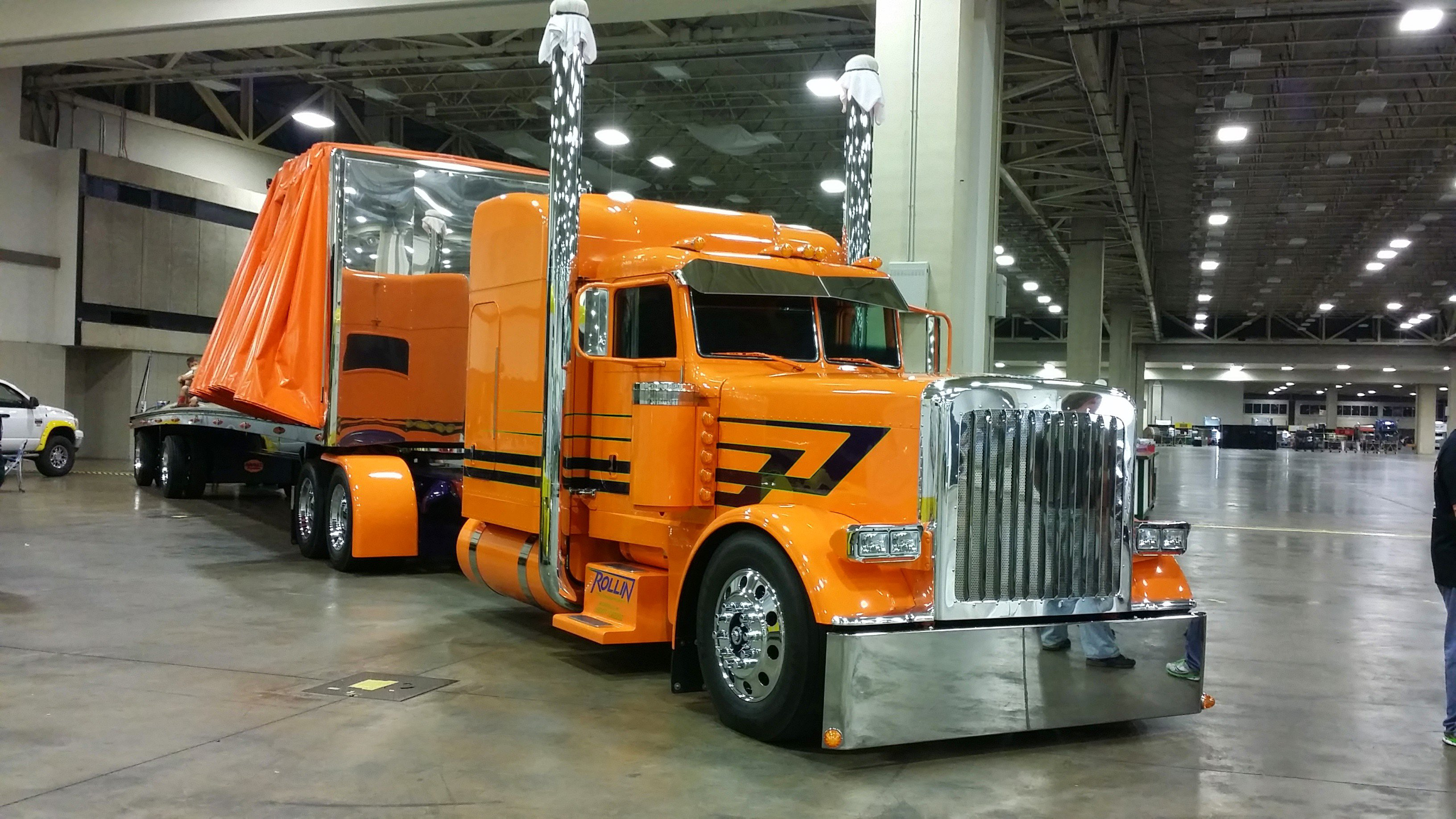Vinnio Diorio's 2013 Peterbilt 379 and matching Mac trailer are looking to defend their Pride & Polish championship from 2013 in the Limited-Mileage Combo category.