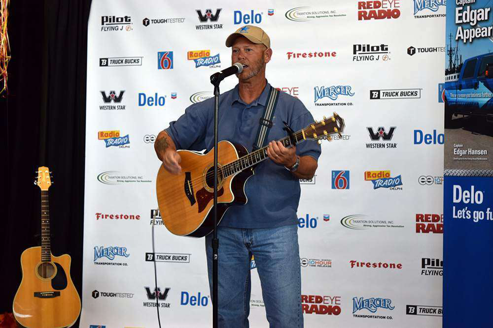 Trucker Talent Search winner Keith Sampson performing at the TTS finale at GATS.