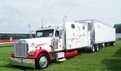 Davis' 2000 Freightliner 'Hillbilly Hilton'