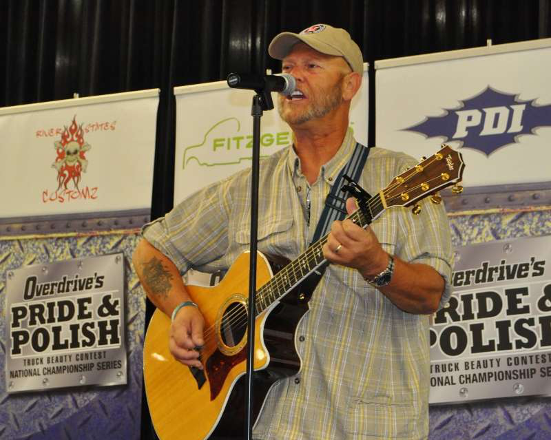 2014 Trucker Talent Search winner Keith Sampson performs at the GATS 2014 Pride and Polish trophy event.