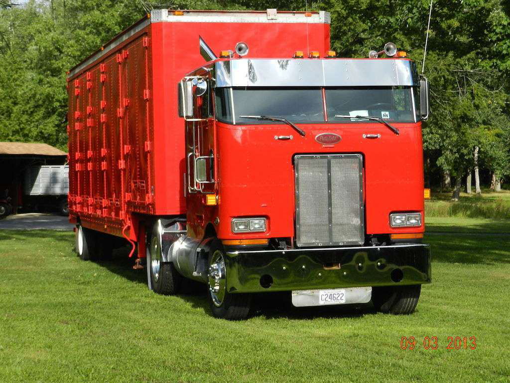 Semi-retired 1990 Peterbilt 362
