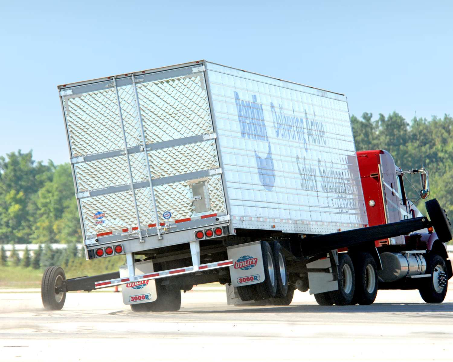 NHTSA publishes Final Rule requiring trucks made in 2017 and beyond to be equipped with stability control systems