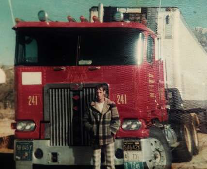 10 more classic cabovers all from you overdrive owner byron e mansfield srs 1975 diamond reo cabover was powered by a sciox Image collections