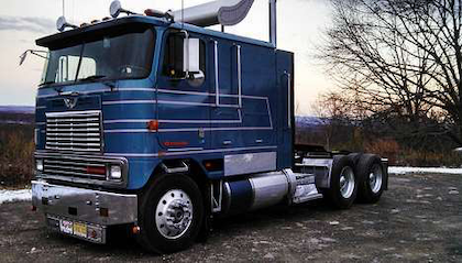 10 more classic cabovers all from you overdrive owner don slates 1986 international eagle double bunk with only 384500 original miles on sciox Image collections