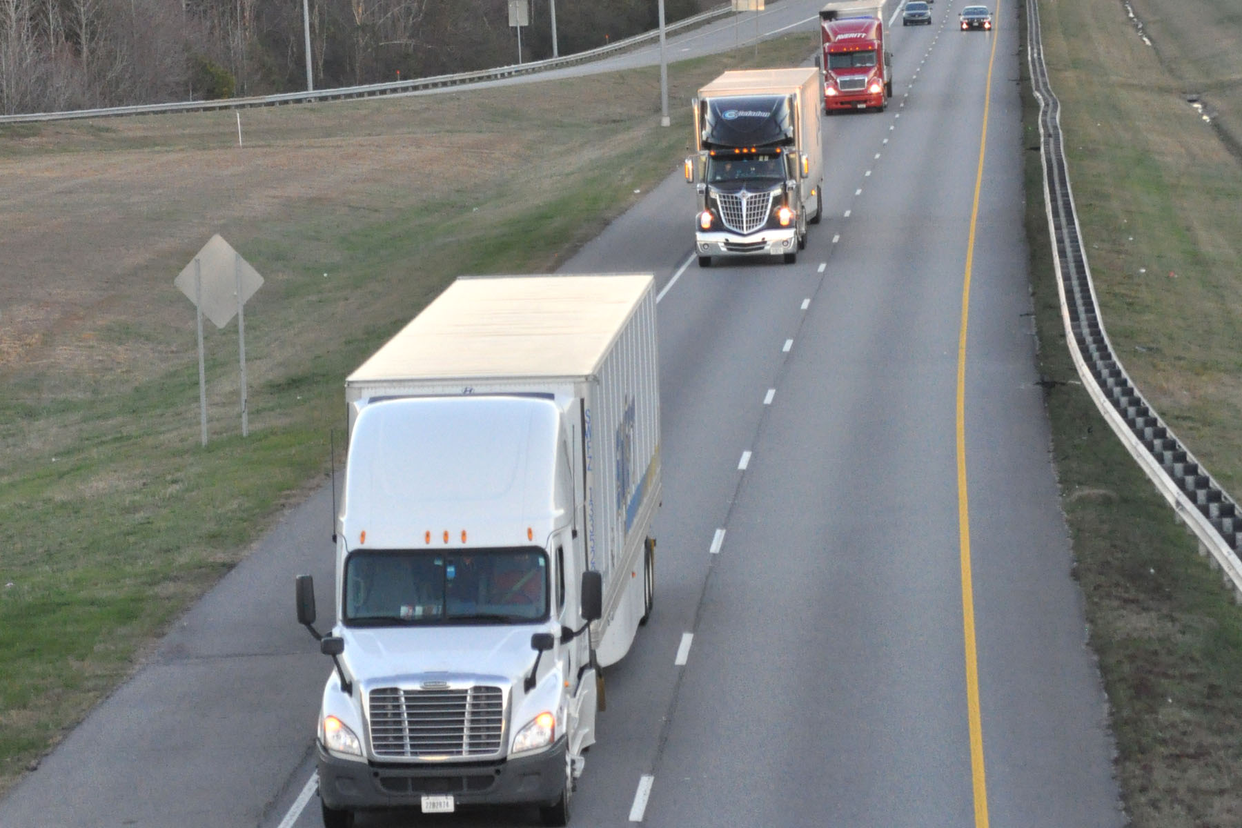 Senate introduces bill to reform FMCSA, review existing trucking regulations