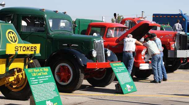 Petro Joplin Mo >> Joplin 44 Petro Hosting 19th Truckers Jamboree