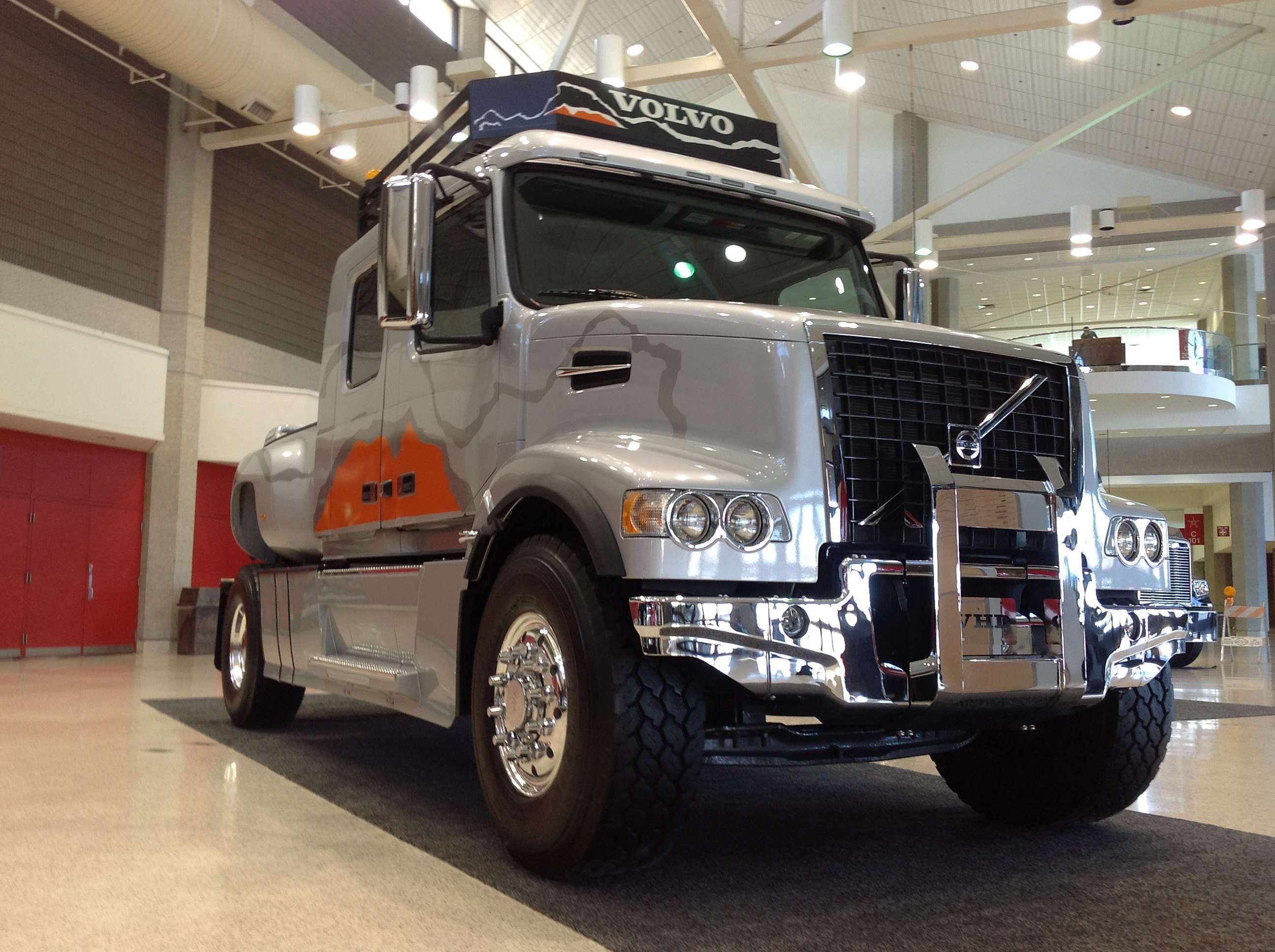Volvo VHD custom pickup