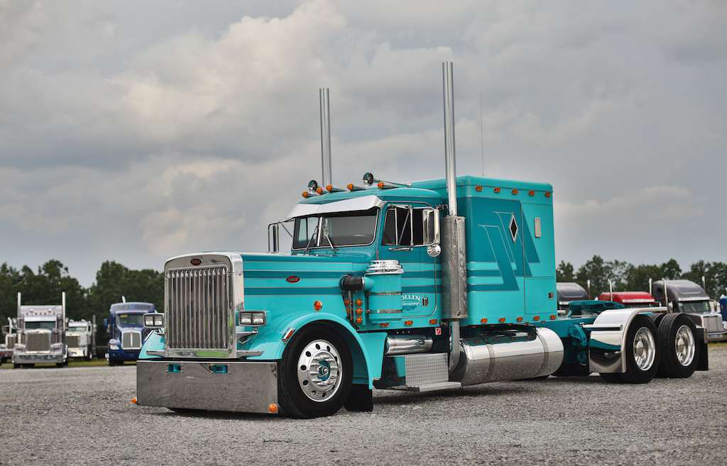 More from Fitzgerald Pride & Polish show: Beauty shots of top 4 rigs, full winners list