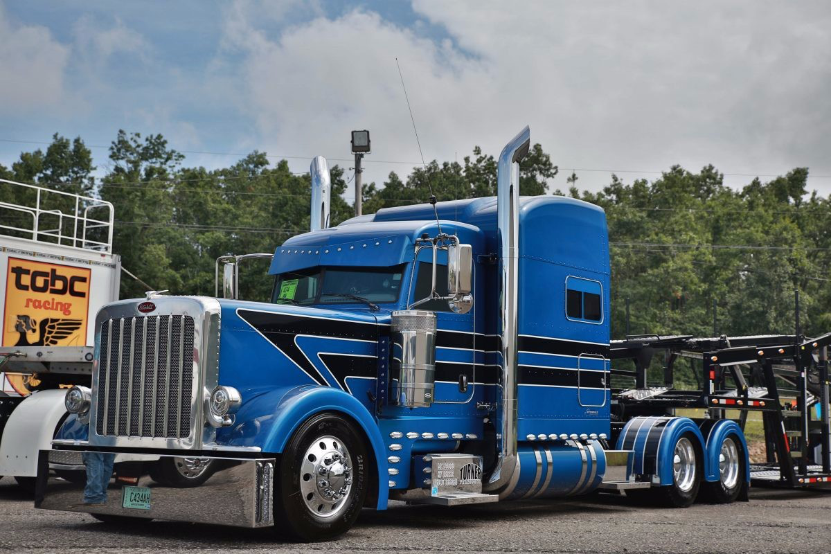 Eric Turner's 2015 Peterbilt 389 and 2016 WallyMo car hauler won Best of Show, Working Combo at the Fitzgerald Glider Kits Pride & Polish show held last month in Tennessee.