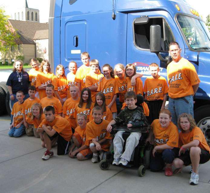 PeopleNet renews Trucker Buddy's school grant program