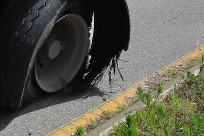 30-second Trucker Tip video: Steer tire blowout!