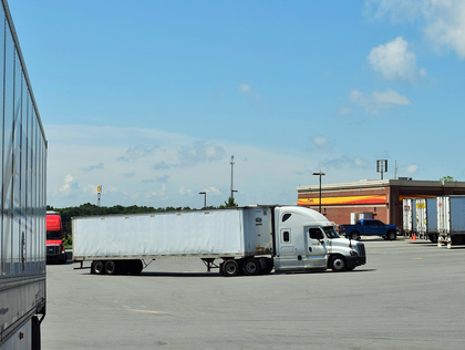 Reservation systems, pay-to-park efforts in critical eye of new truck parking analysis